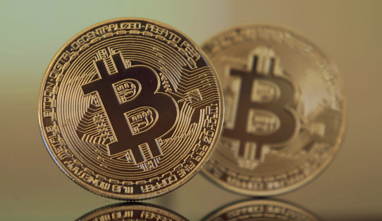 Bitcoin and Bitcoin Cash: Two Coins, Two Visions, Two Use Cases