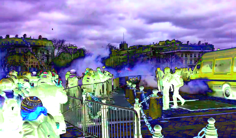 Blaze of Fury Erupts in Paris As Yellow Vests Protest Government Policies, Rioters Trash Champs Élysées and Set Bank on Fire