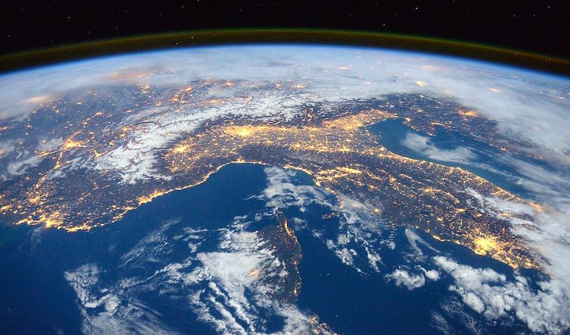 Former NASA Engineer and Virgin Galactic Instructor Says World Needs Global Tools Like Bitcoin
